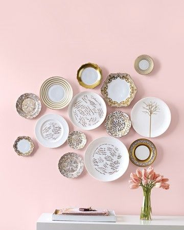 These plates are oh-so cute! Have your guests sign fancy plates to display around your home or use them for servings on special occasions!