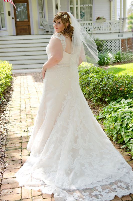5 Tips When Shopping for a Plus Size Wedding Gown