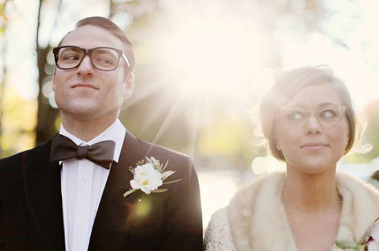 http://forums.theknot.com/discussion/1046246/glasses-will-you-be-wearing-yours-on-your-wedding-day